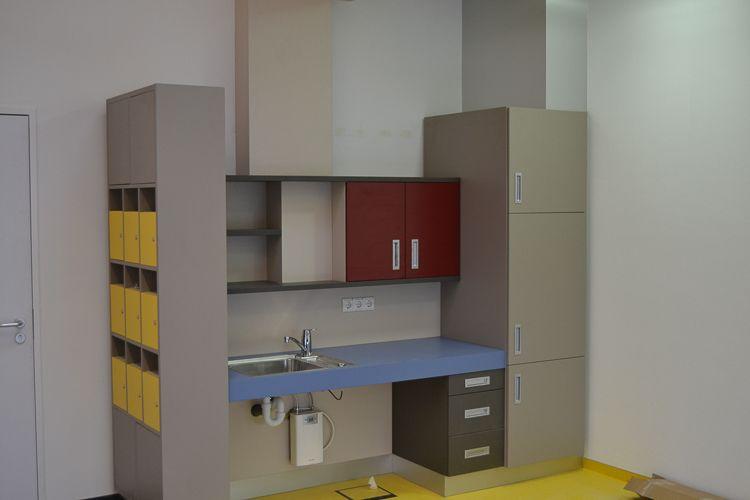 Möbelbau & Innenausbau - Schrankwand mit Waschbecken