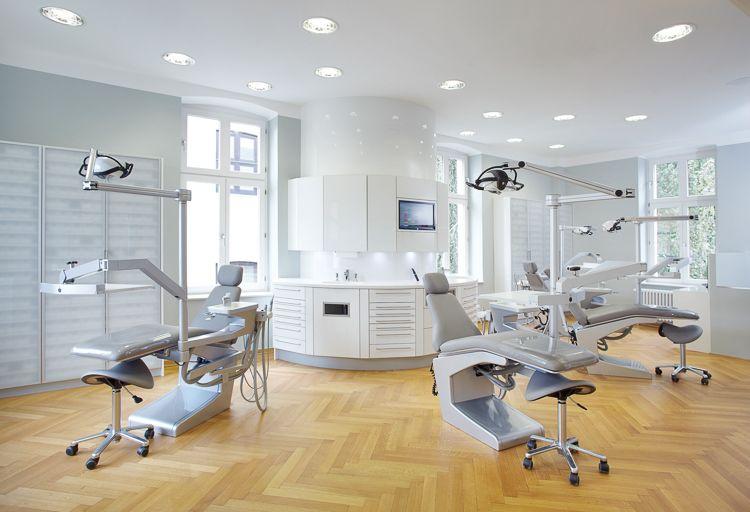 Möbelbau & Innenausbau - Behandlungsraum Zahnarzt